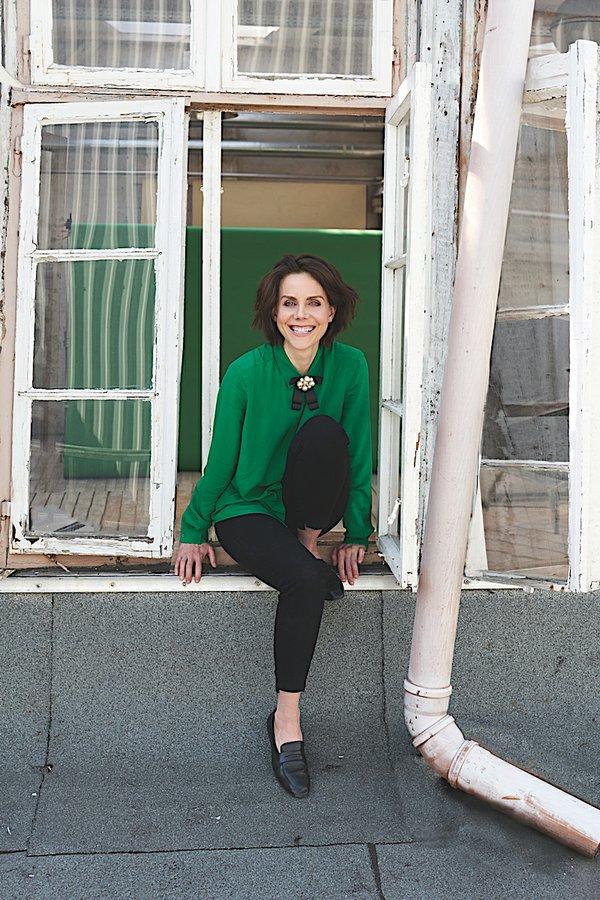 21. Anna Depenbusch.jpg